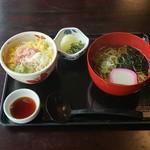 レストランこぶし - 料理写真:ミニネギトロ丼と半そばセット