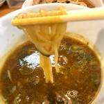 中村商店 - 骨付き鶏のカレーつけ麺