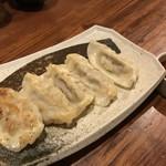 泡盛と沖縄料理 龍泉 - あぐー餃子
