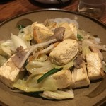 泡盛と沖縄料理 龍泉 - 豆腐チャンプルー