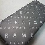 グラマシーニューヨーク - ☆正統派な包装紙も高級感がありますね(^◇^)☆