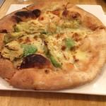 TAK CAFE - 海老とアボカドのピザ