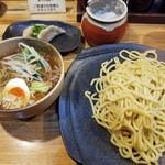 つけ麺 しょうえい - 野菜つけ麺(450g)&ゆで餃子(2個)