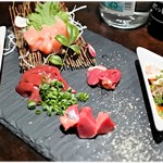 日本酒Dining 根岸 川木屋 - 料理写真:地鶏刺身6点盛合せ 1200円