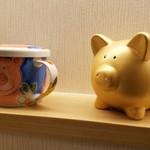 とんかつ 一頭揚げ 亀かわ - 金の豚