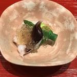 和食処 けんけん - 料理写真:鳥貝とアスパラの加減酢ジュレ掛け