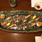 神楽坂友野 - お鮨  鯒(コチ)、関鯵、赤烏賊、鰹、生トリ貝、鮪の中トロ、車海老、雲丹とイクラと牡丹海老、玉子焼
