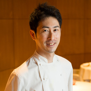 成清毅氏(ナリキヨツヨシ)―絶妙な火入れで、素材を昇華する