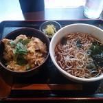蕎麦由々 金王庵 - ヒレカツ丼とかけそば 900円