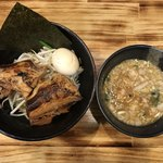 豚火 - 豚火つけ麺全部のせ(醤油、1玉)