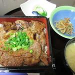 たんとん亭 - 味噌豚重(並)