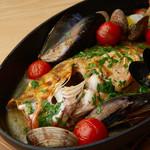 本日鮮魚のアクアパッツァ 能登漁醤の風味 南部鉄器で