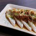博多もつ鍋はらへった - 山芋肉味噌チーズ焼き