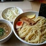 つけそば 周 - 料理写真:煮干しつけ麺800円!