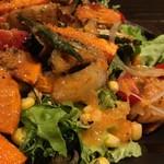 居食屋 YAGAIYA - いろいろ野菜の健康サラダ