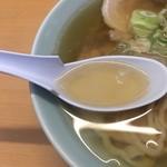 85575431 - 透明度の高いスープ