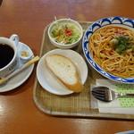 セブンローストコーヒー - ◆パスタランチ(650円)を頂くことに。パスタは選べますので「アラビアータ」をチョイス。 他に「サラダ」「パン」「ドリンク」が付