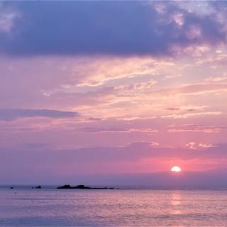絶景の海を窓辺にのぞむオーベルジュ