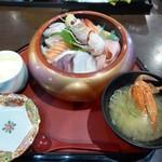 湯茶寮マルト - ランチ(海鮮丼)