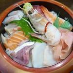 湯茶寮マルト - 海鮮丼アップ