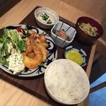 チロル食堂 - お昼のえび南蛮定食