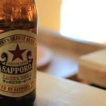 ベーコン工房 燻太 - ビールは赤いお星さま♬