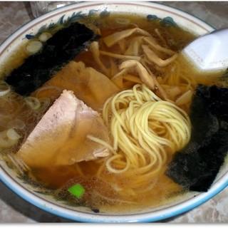 中華亭 - 料理写真:煮干し薫る油とえぐみが強い中華そば