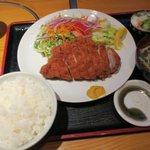 85593866 - 自雷也特選とんかつ定食(¥1,512)