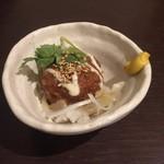 さかなや いぬい - 料理写真:お通し(ツクネと新玉葱)