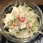 85595158 - 鳥飯×うどんセット(温ぶっかけうどん) ¥750 のサラダ