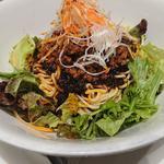 陳建一麻婆豆腐店 - 料理写真:・汁無し担々麺 サラダに見える
