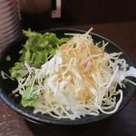 チャオチャオ - 先ず最初に定食のサラダが運ばれて来ました、野菜中心のミニサラダです。