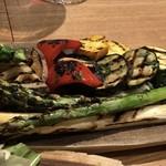 オステリア イル レオーネ - 野菜のグリル外観