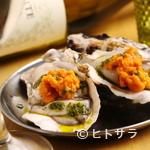 魚介イタリアン チーズ食べ放題 UMIバル - 生牡蠣と生雲丹のポン酢かけ