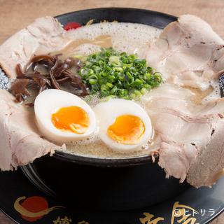 伝統80年以上に及ぶ博多豚骨ラーメンを沖縄で食す