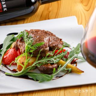 上質な料理とワインを味わいながら、二人だけの素敵なひととき
