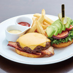 Pine Tree Bless - 100% US Beef Burger