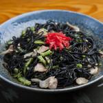沖縄料理の店 くすくす - イカ墨ソーメンちゃんぷるー