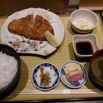きみまち坂 - ロースとんかつ定食 1,200円