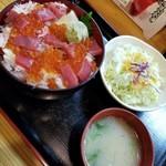 吉里吉里 - 海鮮ちらし 730円