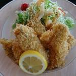 エスカル - 料理写真:カキフライ定食(6個入り) アップ
