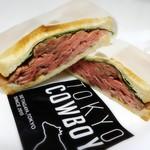 TOKYO COWBOY - ローストビーフサンド(1,200円)
