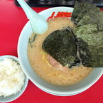 ラーメン山岡家 - 料理写真:醤油ラーメン_650円、海苔_110円、半ライス_120円