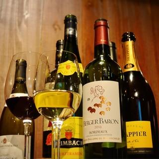 『50種類以上』のワインと樽生IPAビール