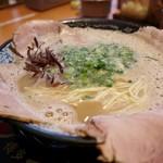博多一幸舎 - チャーシューメン900円