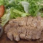 グリルSumitoko - 四元豚は脂身も甘味があって美味しいです♪