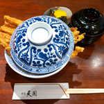 銀座 天國 - あなご丼(¥2160)。期待通り、丼からはみ出るボリューム!