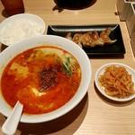 85651285 - からかとんこつ豆腐&ライス&餃子