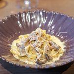 オステリア イタリアーナ コバ - 仔牛と椎茸のクリームソース 自家製フェットチーネ