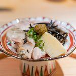 お料理 志ぶう - 九十九里の蛤、 下関の河豚、 京都物集女(もずめ)の筍、 生ひじき、 蛤の肝と、京都の酢味噌を合わせて